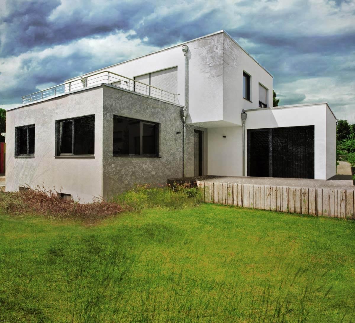 Haus Bau schlechter Zustand Garten ungepflegt