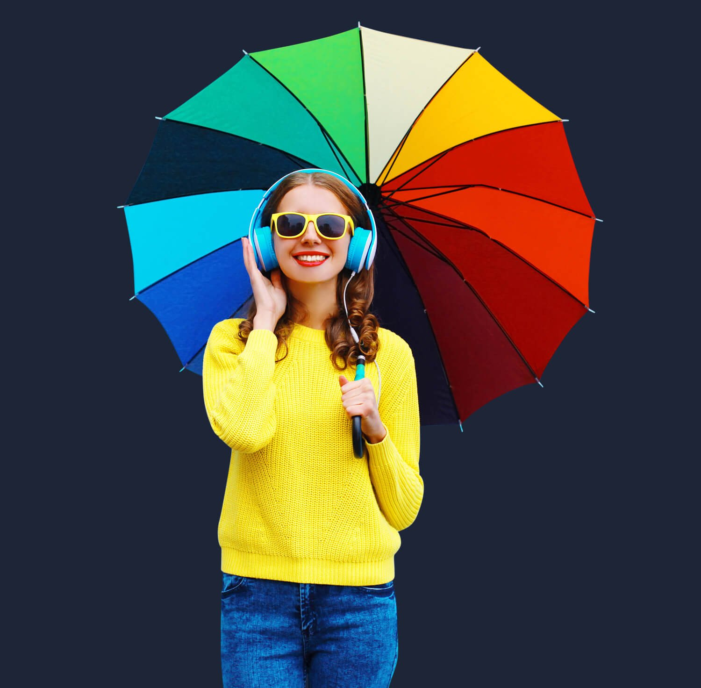 Frau Kopfhörer Regenschirm bunt blauer HG