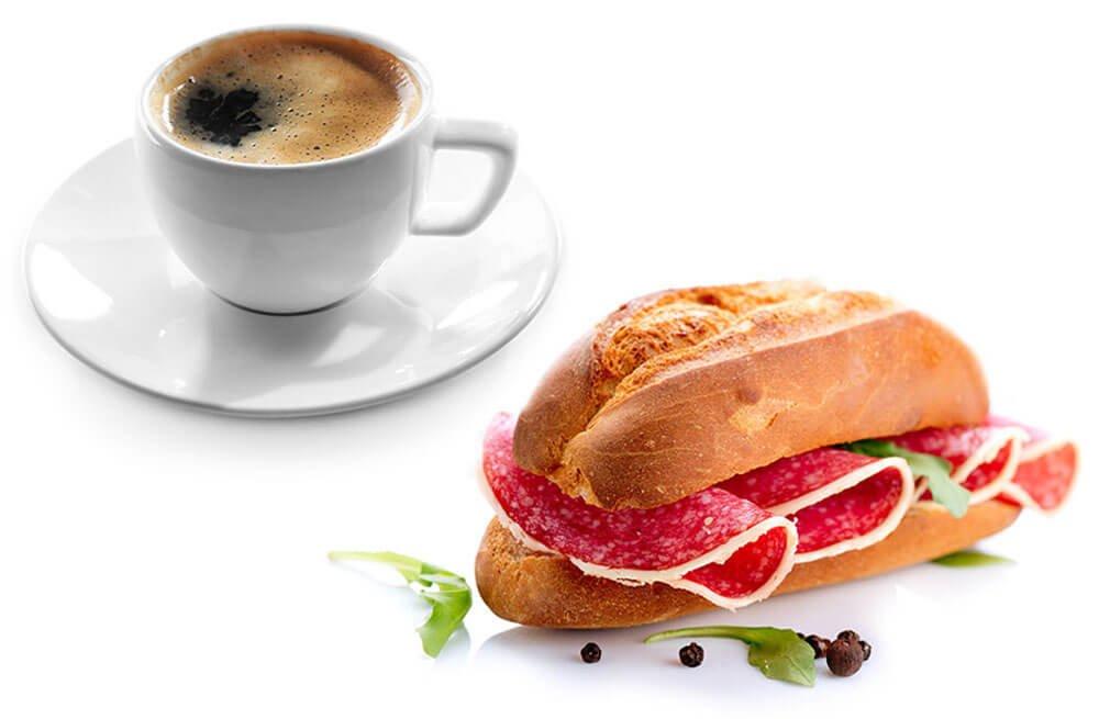 Freistellen Lebensmittel Kaffee Brötchen Frühstück Salami