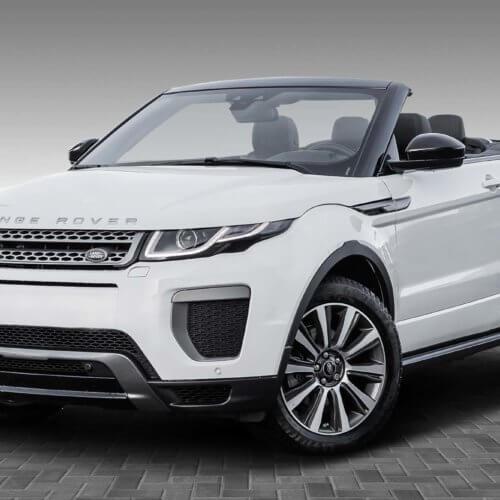Landrover Range Rover freigestellt neuer Boden