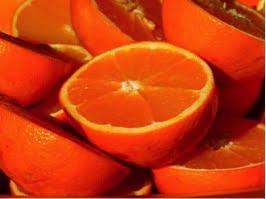 Bild mit aufgeschnittenen Orangen