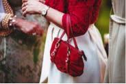 Tasche rot Produktfotografie Freistellen